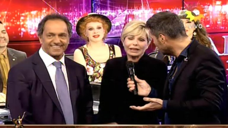 DANIEL SCIOLI EN SHOWMATCH.mp4