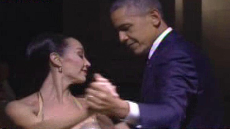 Barack Obama bailó tango con mora Godoy en el CCK